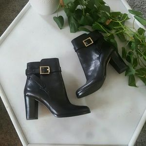 Vero Cuoio Black Leather Ankle Boots